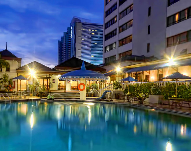 Jayakarta Hotel Jakarta Pool at Night